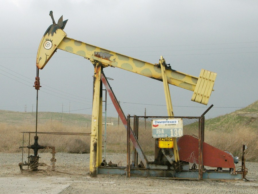 oil pump, giraffe, Iron Zoo, Fresno County, California